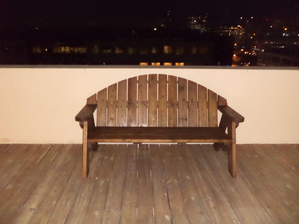 ספסל עץ מדגם אלעד